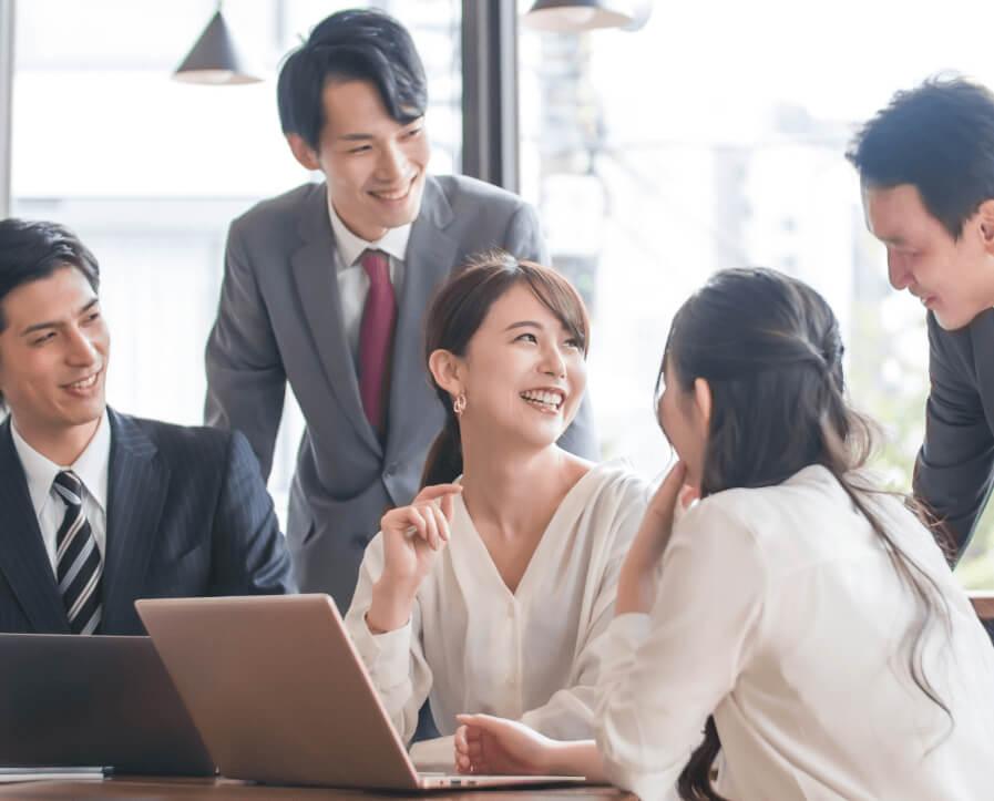 企業の財務会計部門。経営企画部門。戦略企画部門等で、昨今のM&Aの流れを受け、M&A専門部門の責任者、もしくはメンバーにアサインされた方。